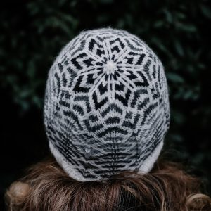 Miara Hat knitting pattern by Renee Callahan